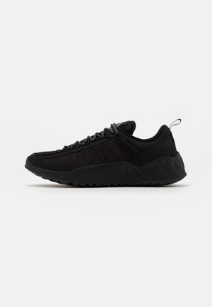 SOLAR WAVE  - Sneakers laag - blackout