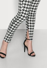 Missguided Petite - DOGTOOTH VICE - Jeans Skinny Fit - multi - 3