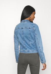 ONLY - ONLERICA JACKET LIFE - Jeansjakke - light medium blue denim