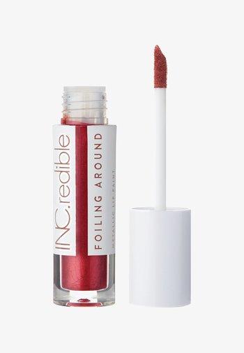 INC.REDIBLE FOILING AROUND METALLIC LIP PAINT - Liquid lipstick - 10076 turn me up, turn me on