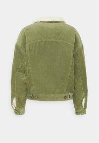 Cotton On - SHEARLING TRUCKER - Light jacket - olive green - 1
