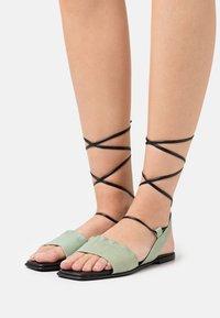lilimill - Sandals - pesto - 0