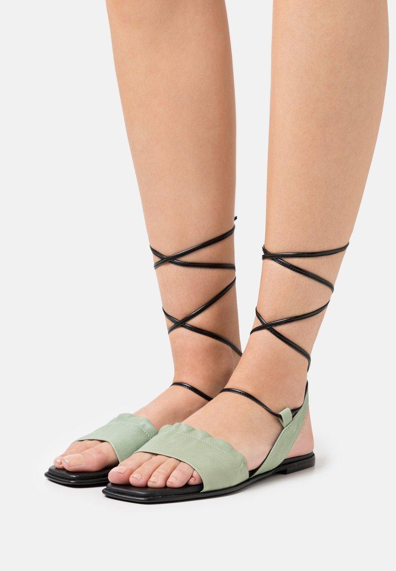 lilimill - Sandals - pesto