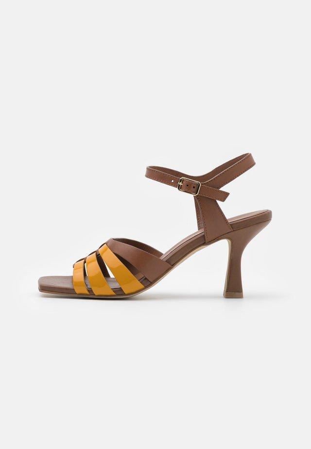 Sandały - girasole