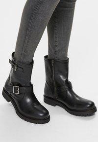 Selected Femme - Cowboy/biker ankle boot - black - 0