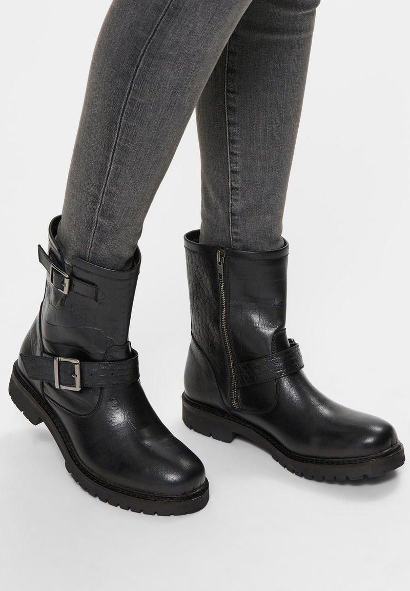 Selected Femme - Cowboy/biker ankle boot - black