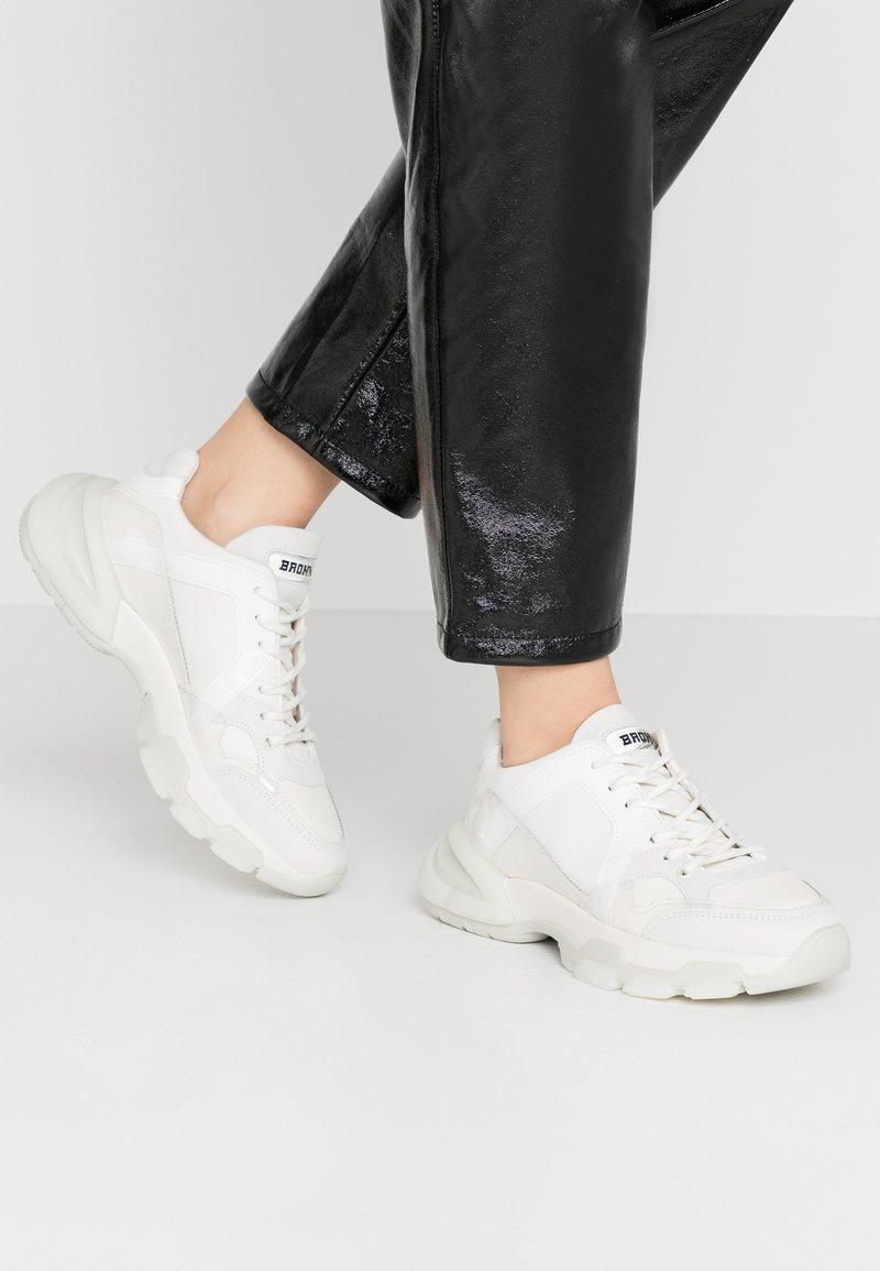 Bronx - SEVENTY STREET - Sneaker low - offwhite