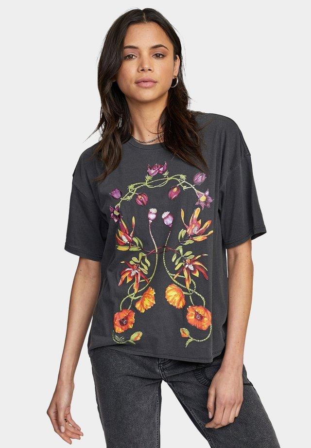 MIRA FLORA BOYFRIEND - T-shirt imprimé - washed black