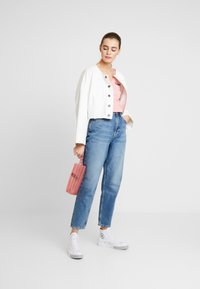 Tommy Jeans - MOM HIGH RISE TAPERED - Relaxed fit jeans - sunday mid - 1