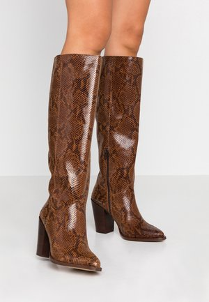 High heeled boots - tan