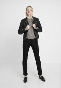 Freeman T. Porter - AMELIE - Jeans slim fit - stay dark - 2