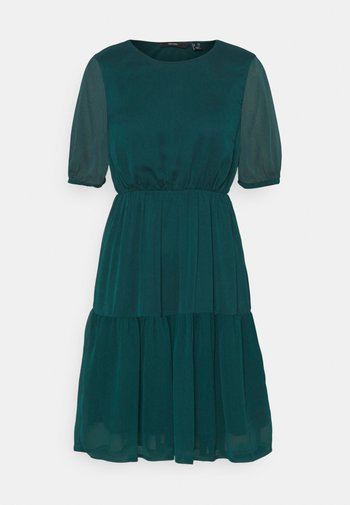 VMKEMILLA DRESS - Day dress - sea moss