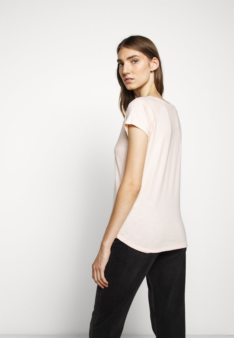 CLOSED - WOMEN´S - Basic T-shirt - rose quartz