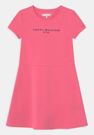 ESSENTIAL SKATER  - Denní šaty - exotic pink