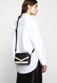 KARL LAGERFELD - MAU CAMERA BAG - Across body bag - black - 1
