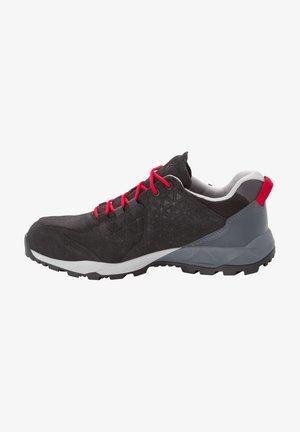Walking shoes - black/red