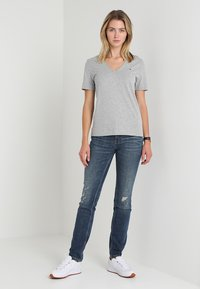 Tommy Hilfiger - LUCY  - Basic T-shirt - grey - 1
