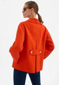 Luisa Spagnoli - Short coat - rosso - 2
