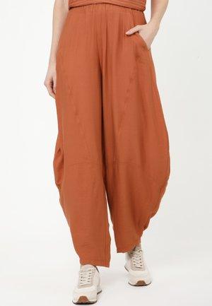 ERIN - Trousers - ingwer