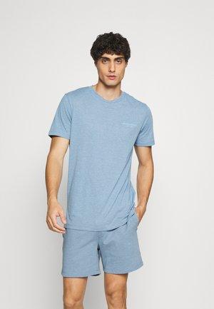 JACHEXA TEE AND SHORTS - Pyjama - blue heaven
