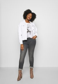Missguided Plus - OVERSIZED JACKET - Denim jacket - white - 1
