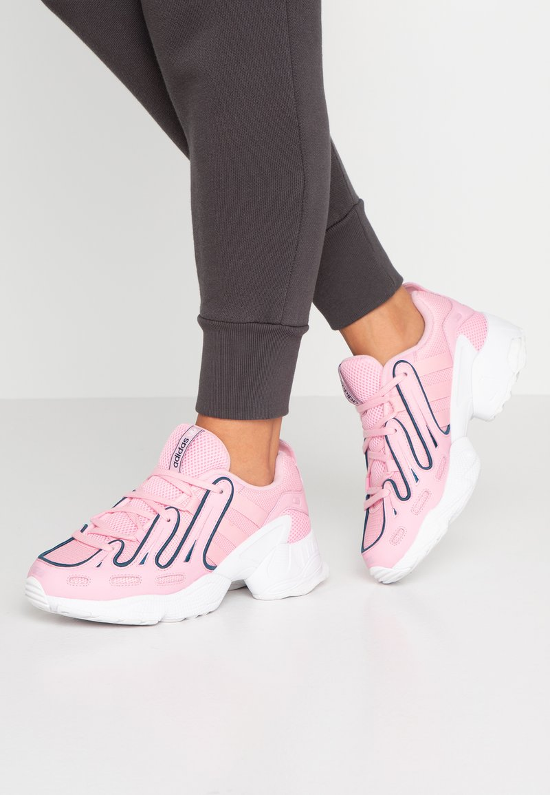 adidas Originals - EQT GAZELLE RUNNING-STYLE SHOES - Matalavartiset tennarit - true pink/tech mint