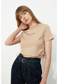 Trendyol - Print T-shirt - brown - 2