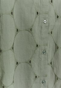 Zizzi - MALFIE TUNIC - Blouse - agave green - 2