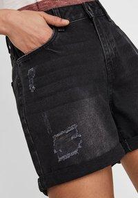 Noisy May - Denim shorts - black denim - 3