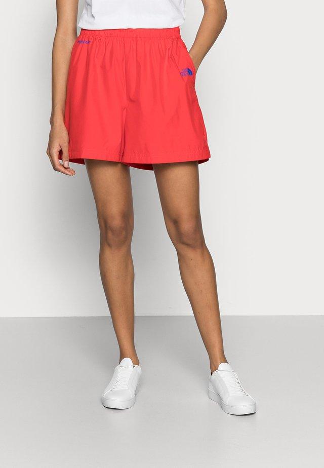 HYDRENALINE WIND - Shorts - horizon red