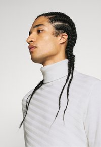 Zign - Sweter - off-white - 4