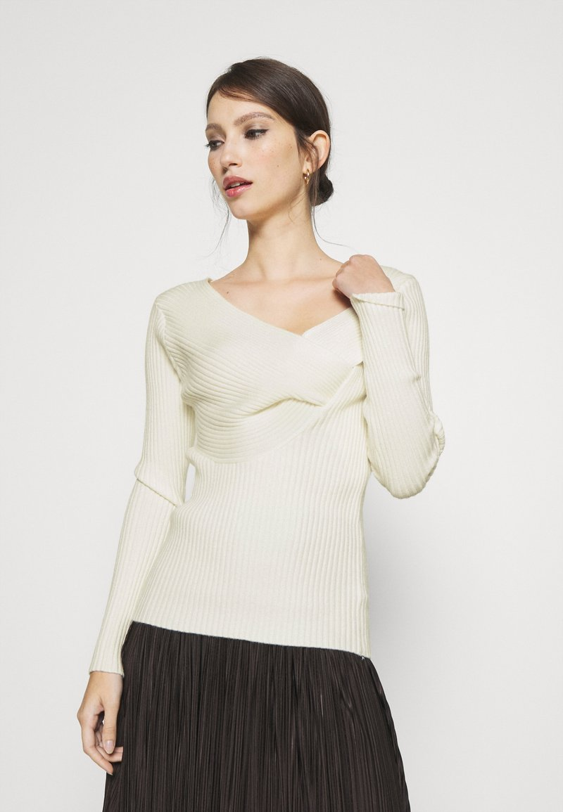 NA-KD - TWISTED FRONT TOP - Pullover - off white