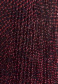 Guess - RAEGAN REVERSIBLE SKIRT - A-line skirt - scratched vichy black - 4