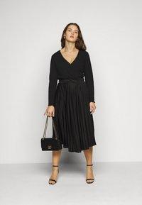 Even&Odd Curvy - Long sleeved top - black - 1