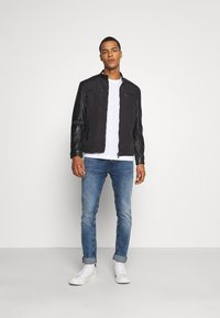 Only & Sons - ONSMATT MIX JACKET - Lehká bunda - black - 1