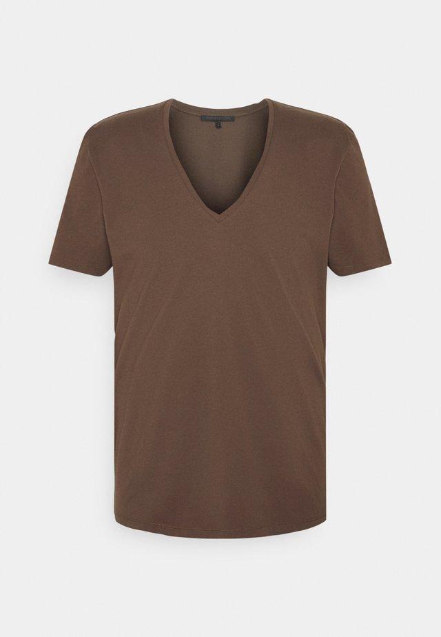 QUENTIN - T-shirt basique - braun