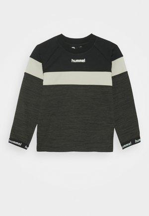 HMLBRANDON - Sweatshirt - black olive