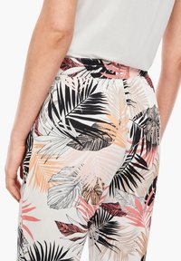 s.Oliver - Trousers - off-white aop - 4