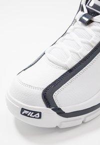 Fila - GRANT HILL 2 - Sneakersy wysokie - white/navy/red - 5