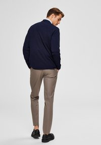Selected Homme - SLIM FIT - Suit trousers - sand - 2