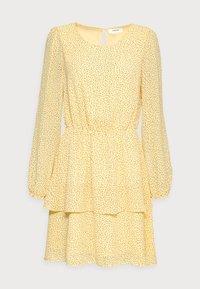 Moss Copenhagen - LINOA RIKKELIE DRESS - Day dress - banana - 3