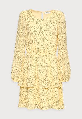 LINOA RIKKELIE DRESS