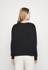 Even&Odd - Printed Crew Neck Sweatshirt - Sudadera - black - 2