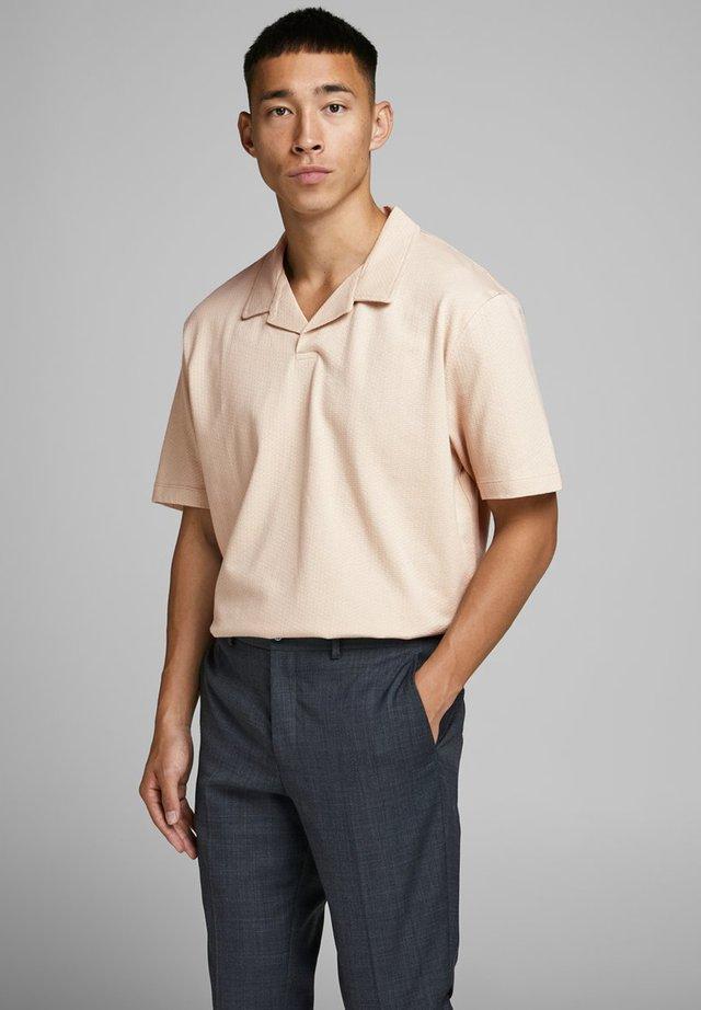 JPRHAROLD - Polo shirt - oxford tan