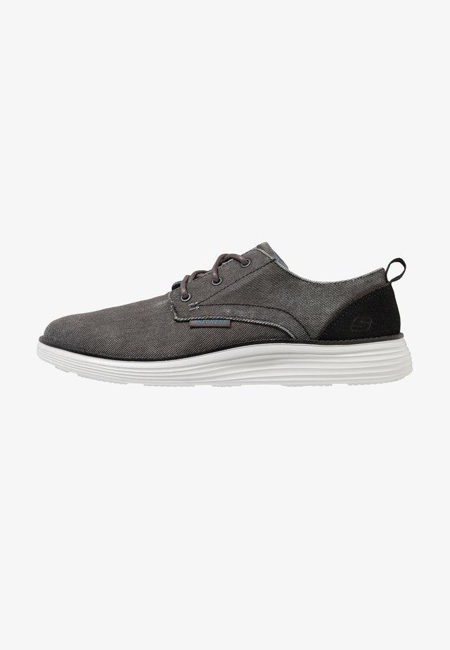 STATUS 2.0 PEXTON - Zapatos con cordones - black