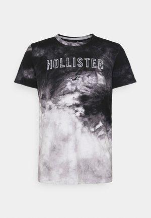 CORE TECH PATTERN - Print T-shirt - black wash