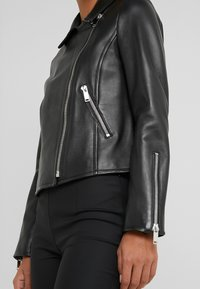 WEEKEND MaxMara - UNICUM - Leather jacket - schwarz - 5