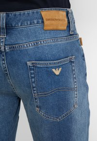 Emporio Armani - Jean droit - denim blue - 5