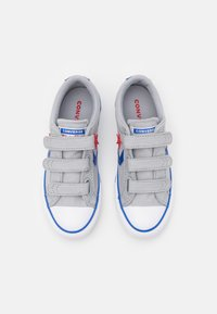 Converse - STAR PLAYER 3V UNISEX - Trainers - wolf grey/blue/enamel red - 3
