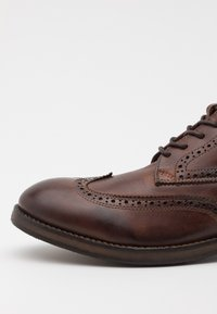 Hudson London - ANDERSON - Lace-up ankle boots - brown - 5
